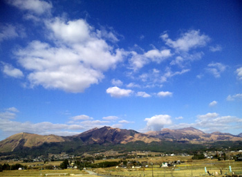 same mountains, but different feelings_e0103024_18291478.jpg