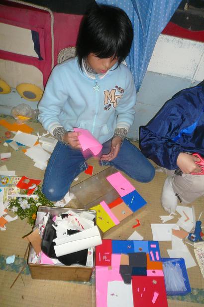12月のテーマ「プラスチックや粘土での造形」_c0217044_12552989.jpg