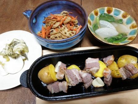 【コロダッチレシピ】厚切りベーコンとジャガイモのロースト_d0122797_1351869.jpg