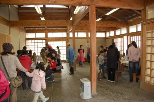 2009「丸太を切ってサンタを作ろう」 in せんなん里海公園_c0108460_22362419.jpg
