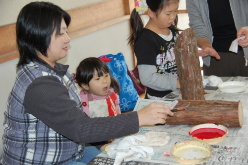 2009「丸太を切ってサンタを作ろう」 in せんなん里海公園_c0108460_22364359.jpg