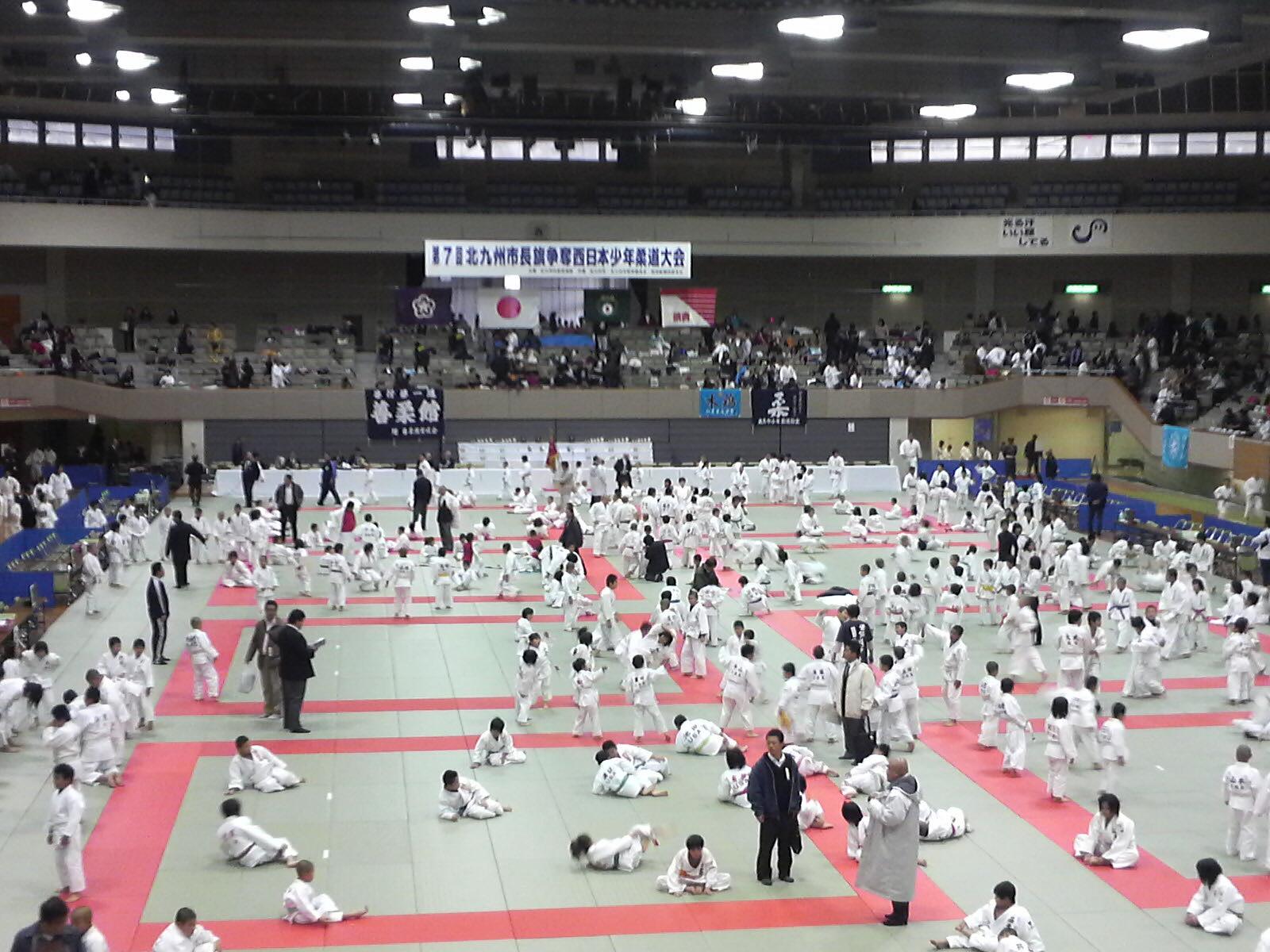 今日は北九州で試合!_b0172494_8242678.jpg