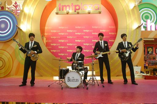 「Christmas with The BEATLES @tmtplaza」 _f0077373_08105.jpg
