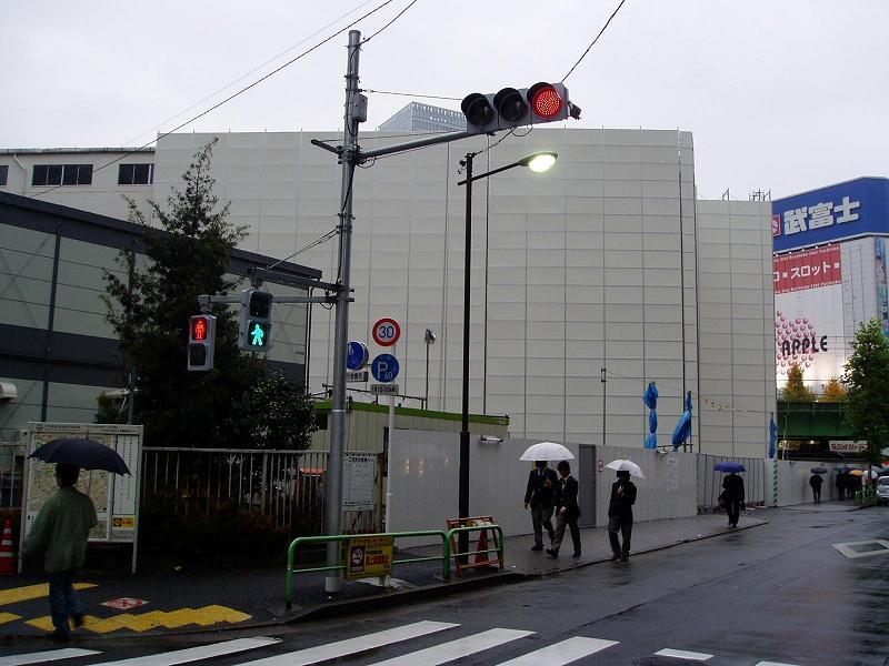 さよなら交通博物館 建物の解体状況(2)_f0030574_22273079.jpg