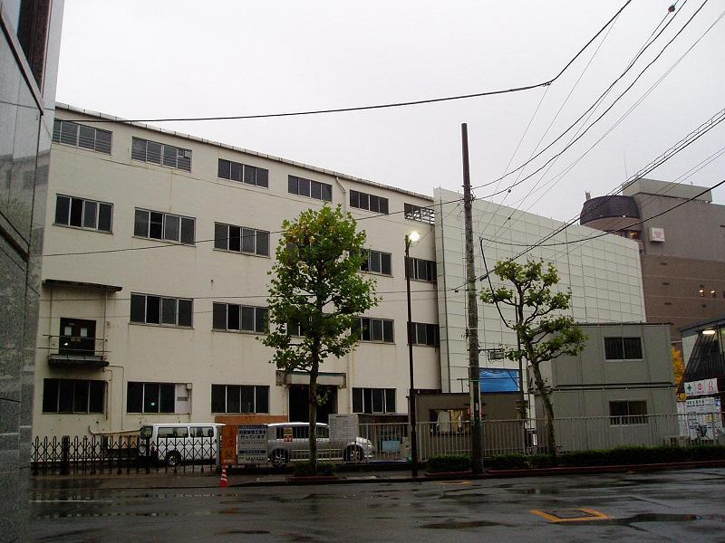 さよなら交通博物館 建物の解体状況(2)_f0030574_2240542.jpg