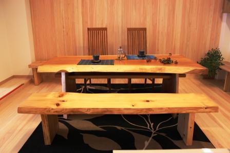 ケヤキのダイニングテーブル_b0185592_9231157.jpg