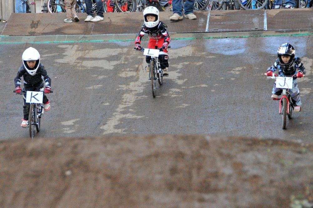 2009JOSF川口ゴリラ公園12月定期戦VOL5:ビギナー、パウダーパフクラス決勝_b0065730_22334138.jpg