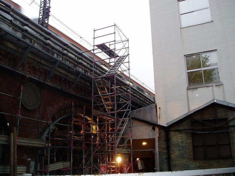さよなら交通博物館 建物の解体状況(2)_f0030574_0125850.jpg