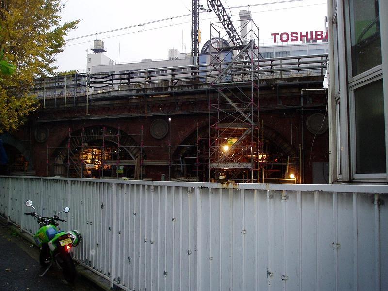 さよなら交通博物館 建物の解体状況(2)_f0030574_0153327.jpg