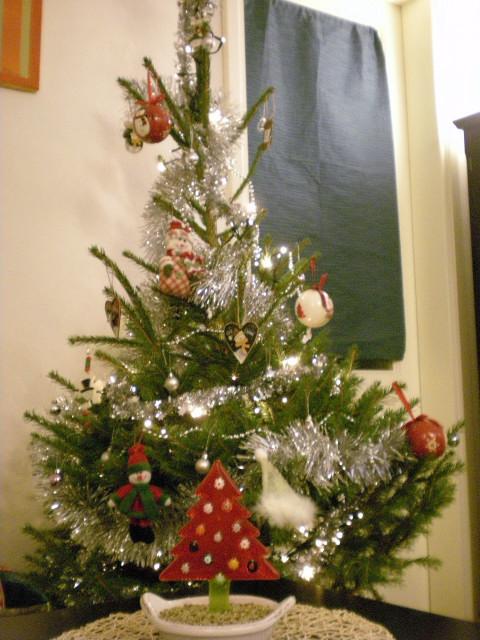 モミの木の匂い---今年の主役はスノーマン_c0179785_224684.jpg