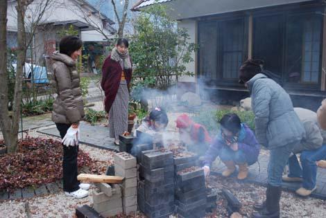 焚き火で焼き芋 & ライブ_f0163195_2511933.jpg