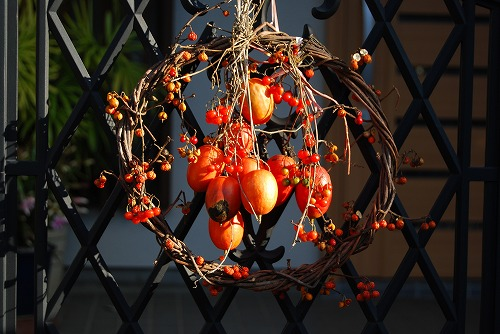 季節の玄関飾り…_c0124100_1811462.jpg