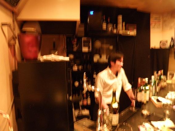 すずらん通り奥の隠れ家ワインバーの新しい写真。_f0053279_11422388.jpg
