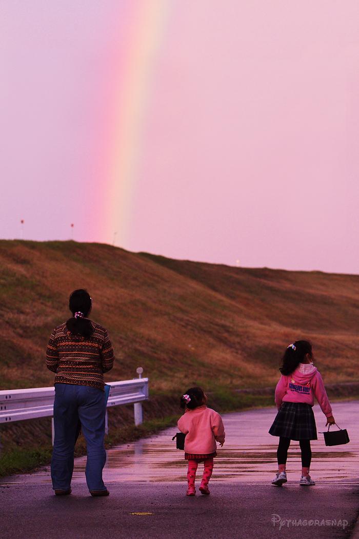 虹の向こうは…_c0187584_20413182.jpg
