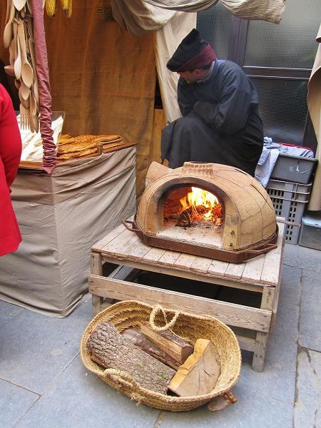 Vicの中世の市 その1  Mercado mediaval en Vic 1_b0064411_7595637.jpg