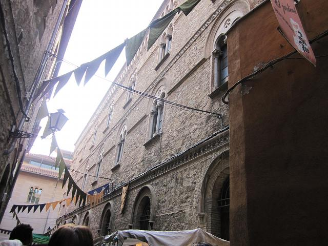 Vicの中世の市 その1  Mercado mediaval en Vic 1_b0064411_811286.jpg
