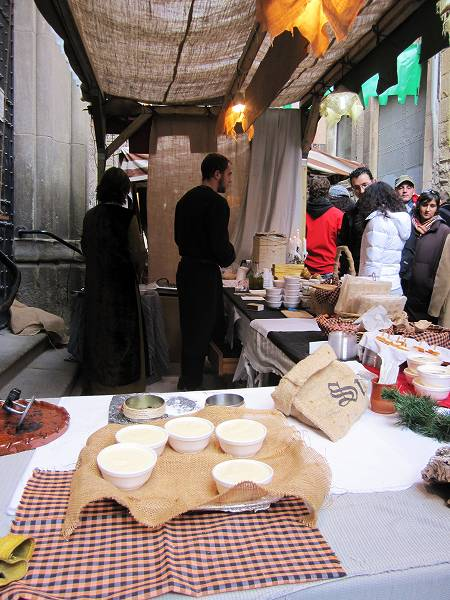 Vicの中世の市 その1  Mercado mediaval en Vic 1_b0064411_8151976.jpg