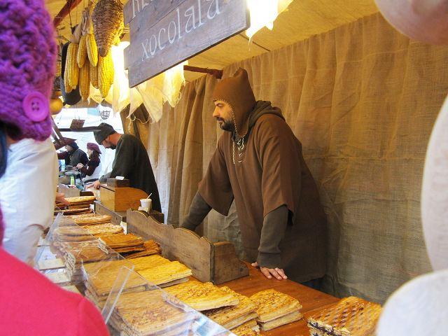 Vicの中世の市 その1  Mercado mediaval en Vic 1_b0064411_834482.jpg