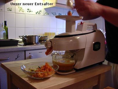 自家製野菜ジュース(追記:ジューサーでお餅つき!)_d0144726_446044.jpg