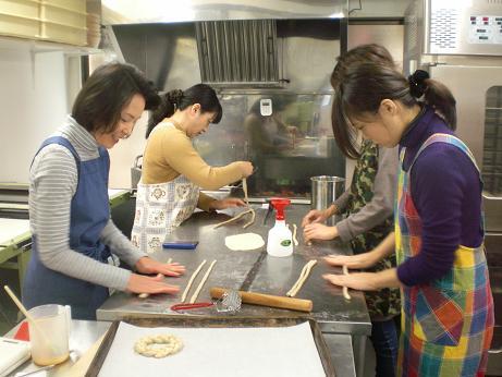 パン作り体験教室第1回開催しました_c0172969_17512181.jpg