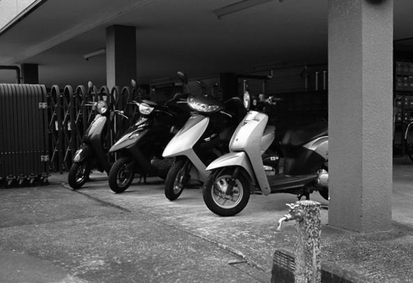 4台のスクーター_c0182775_22355662.jpg