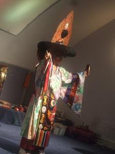 チベット僧の音楽&ダンス体験_e0030586_8351638.jpg