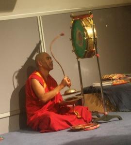 チベット僧の音楽&ダンス体験_e0030586_8371572.jpg