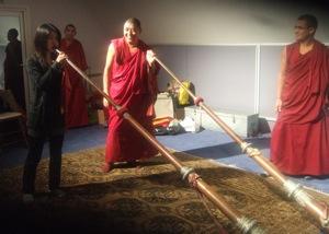 チベット僧の音楽&ダンス体験_e0030586_8383476.jpg