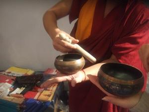 チベット僧の音楽&ダンス体験_e0030586_8392616.jpg