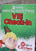 世界最大のエルフ・パーティ! World Record Elf Party in NYC_b0007805_2285441.jpg