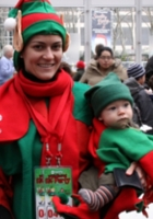 世界最大のエルフ・パーティ! World Record Elf Party in NYC_b0007805_2293423.jpg