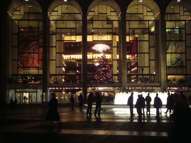 散歩はリンカーンセンターへ龍矢を観に、_d0100880_11521264.jpg