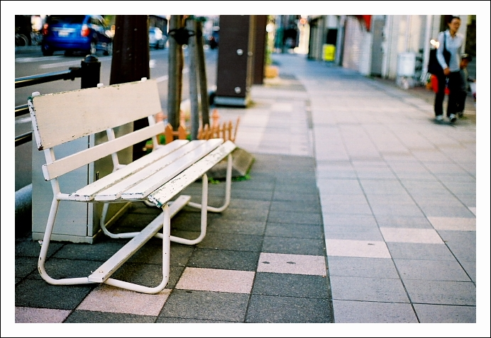 bench_c0170584_19581549.jpg