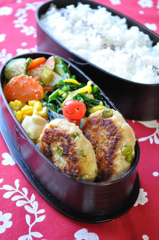 鶏ハンバーグのお弁当_b0171098_845441.jpg