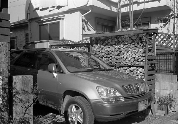 SUVと薪_c0182775_22152054.jpg