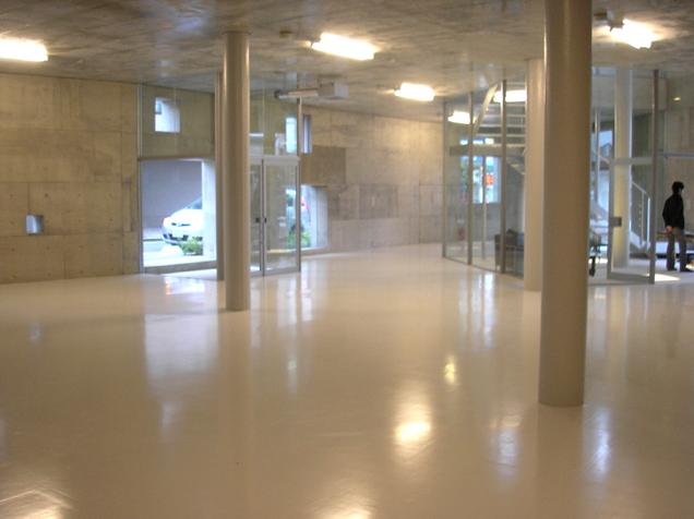 『Grotto』見学会。芦澤竜一さん設計テナントビル。_e0051760_15371748.jpg