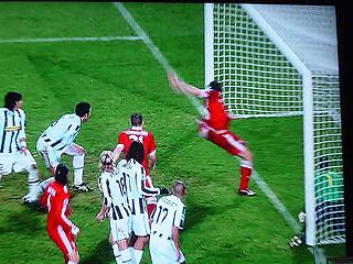 ユベントス×バイエルン・ミュンヘン UEFAチャンピオンズリーグ 09-10グループリーグ_c0025217_13502636.jpg