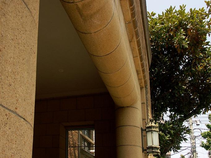 岡山大学医学部研究棟(旧岡山医科大学生化学教室棟)_f0116479_1622110.jpg