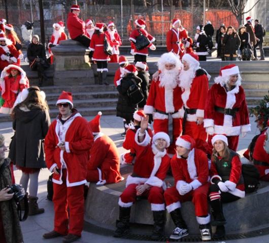 ニューヨークを大量のサンタさんで占拠! SantaCon 2009 (その2)_b0007805_19434983.jpg