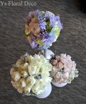 淡いピンク色と白い小花のラウンドブーケ_b0113510_13122117.jpg