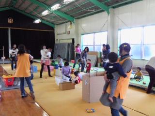 子育てがほっとする『ほっとルーム』 in 船橋健伸幼稚園_b0108363_2364841.jpg