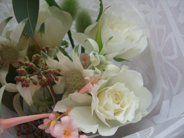 オークリーフ(フランネルフラワーを入れた花束)_f0049672_1729359.jpg