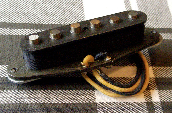 U.S.A.は「Budz Guitars」の「ST P-90 (試作品)」。_e0053731_21534999.jpg