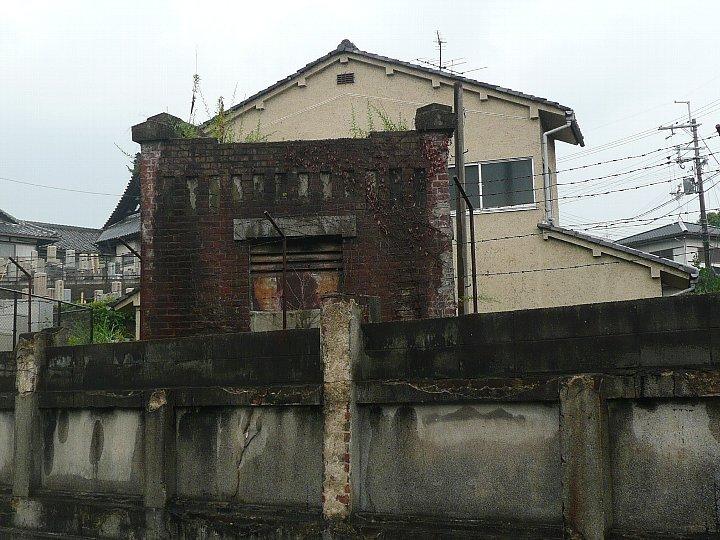 旧奈良市水道計量器室_c0112559_1336780.jpg