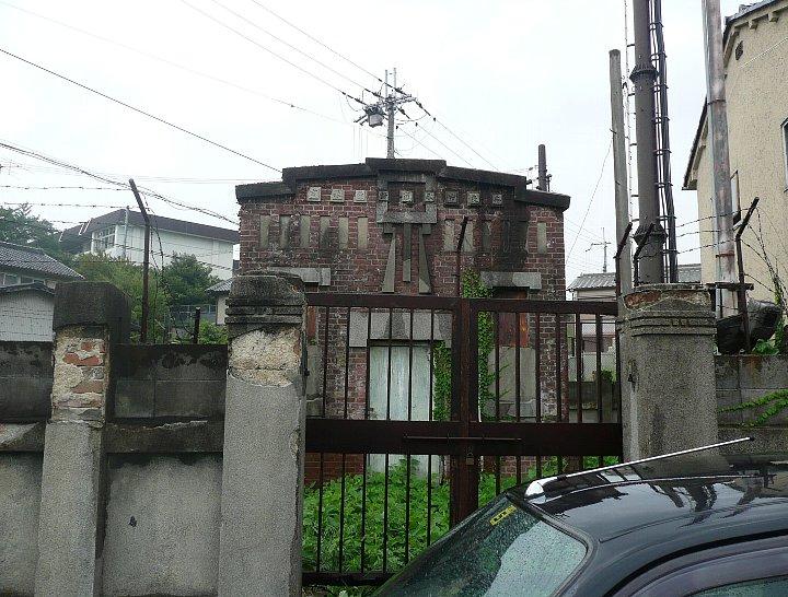 旧奈良市水道計量器室_c0112559_13374443.jpg