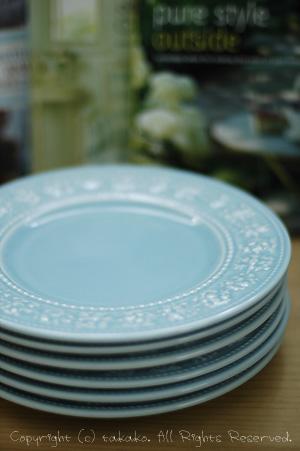 ウェッジウッドのお皿。_c0070460_1033615.jpg