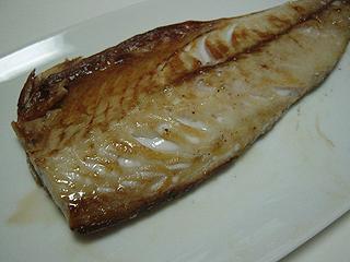 サバの塩焼きと肉もやし炒め_c0025217_1345254.jpg
