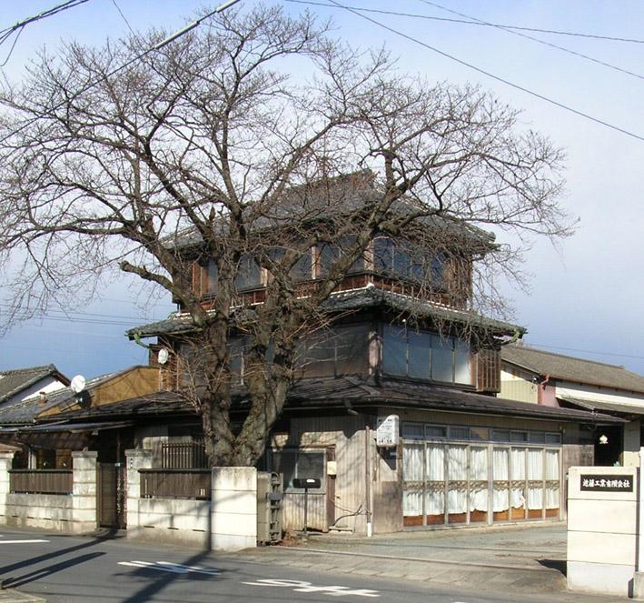 歴史的木造3階建を発見 忘週会 足利〜桐生_e0127948_833363.jpg