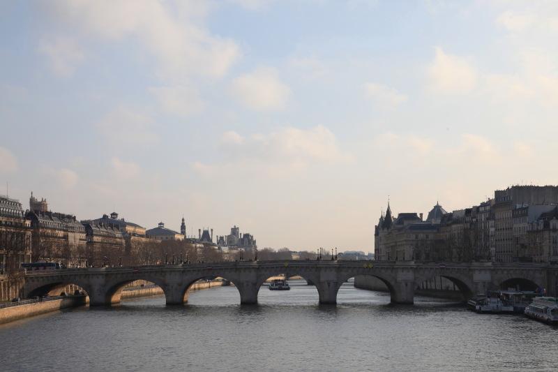パリの街並み_c0187779_64219.jpg