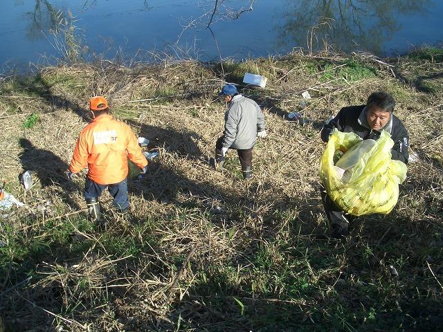 「春のお花見ウォーク」に向けた沼川、滝川の遊歩道整備_f0141310_2317180.jpg